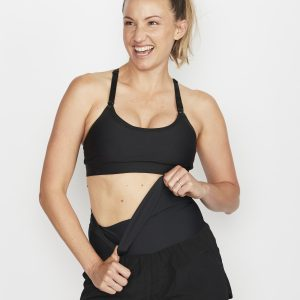 Activewear Love-LL Shorts in Black 21
