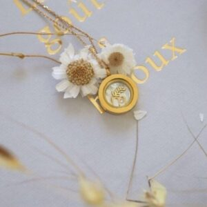 Amulet_18k_gold_with_charms